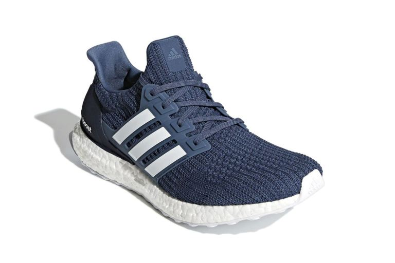 adidas-ultraboost-4-0-show-your-stripes-core-black-tech-ink-another-look-4