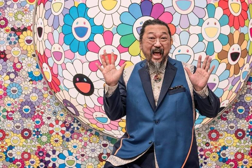 """Takashi Murakami celebra la mostra in Texas con i suoi cuscini """"Flower"""""""