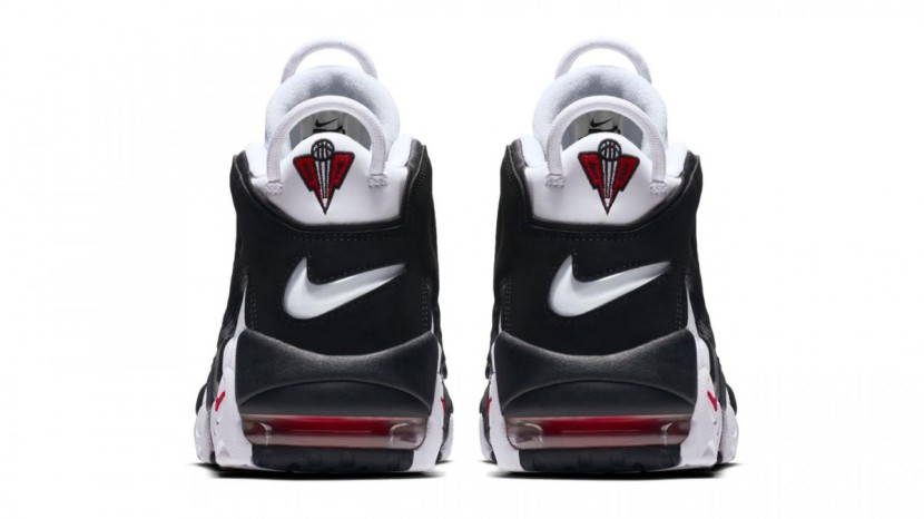 "NIKE AIR MORE UPTEMPO ""CHICAGO BULLS"", Re-release"