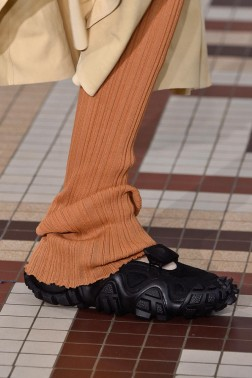 acne-studios-ss19-sneakers-release-date-price-03-800x1200