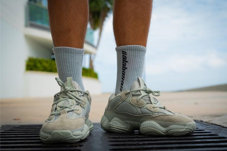 https---hypebeast.com-image-2018-09-adidas-yeezy-500-salt-on-foot-2.jpg